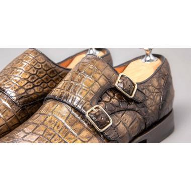 Монки с двумя пряжками из кожи крокодила