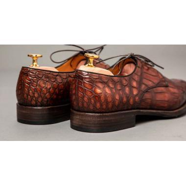 Дерби из кожи крокодила